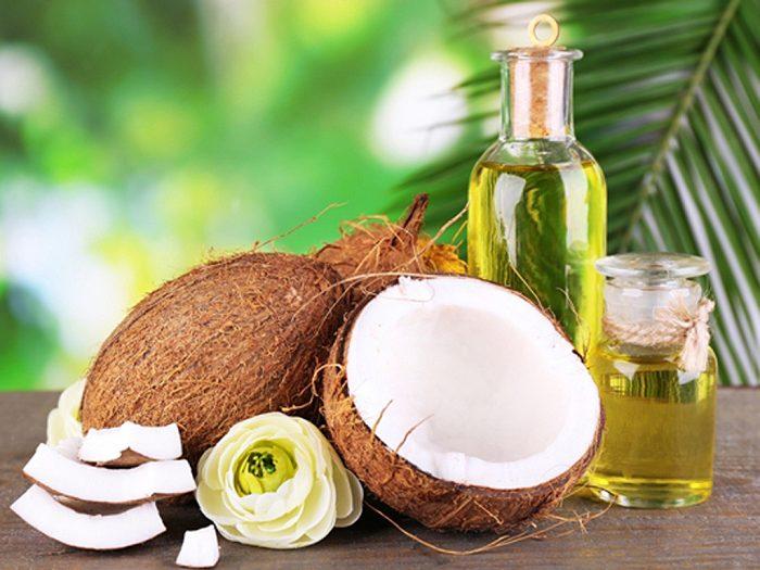Những lưu ý khi dùng dầu dừa để trị quầng thâm mắt
