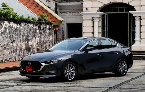 Đánh giá xe Mazda 3 Sedan 2.0 chi tiết kèm bảng giá lăn bánh