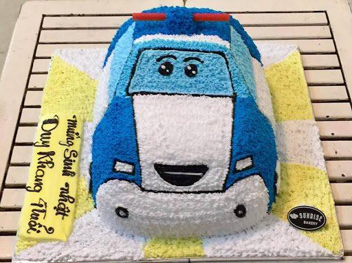 Bánh kem tạo hình xe hơi Mazda ngộ nghĩnh cho bé trai