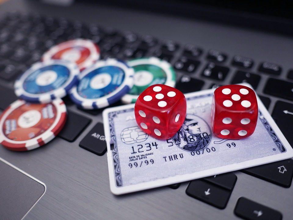 Kinh nghiệm chơi đánh bài trực tuyến vốn ít lãi nhiều